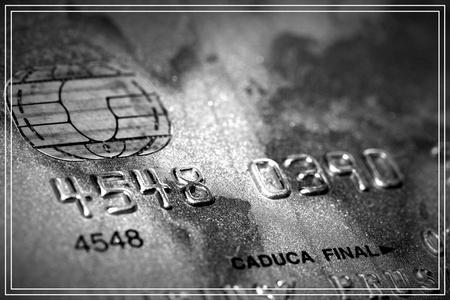 推荐一款自用的比较靠谱、稳定且费率低的代还信用卡的软件:卡参谋app。