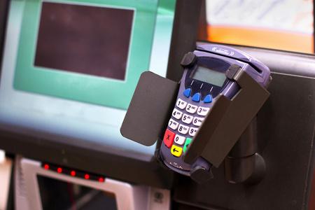 信用卡取现app有哪些?代替pos刷卡的手机app: